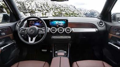 5064_interior_mercedes_benz_glb_1460x821.jpg